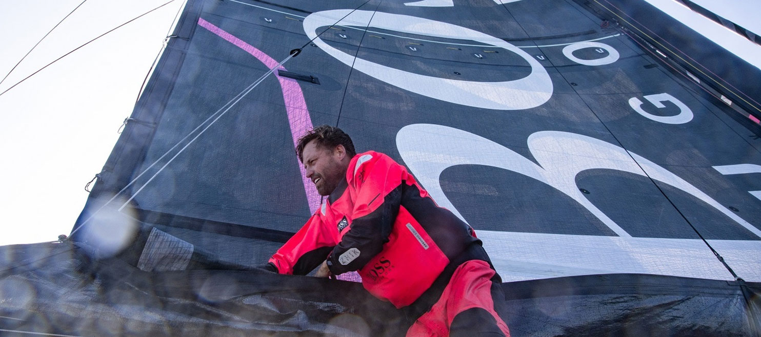 Alex Thomson in first place as he crosses the Equator onboard HUGO BOSS